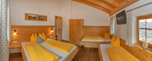 Selbstversorgerhaus Mittleres Zillertal - Ganze Unterkunft - Schlafzimmer