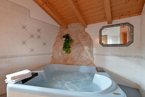 Selbstversorgerhaus Vorderes Zillertal 2 - Whirlpool