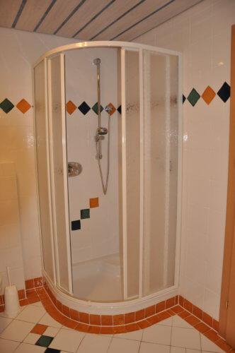 Selbstversorgerhaus Vorderes Zillertal 4 - Appartement 2 - Dusche
