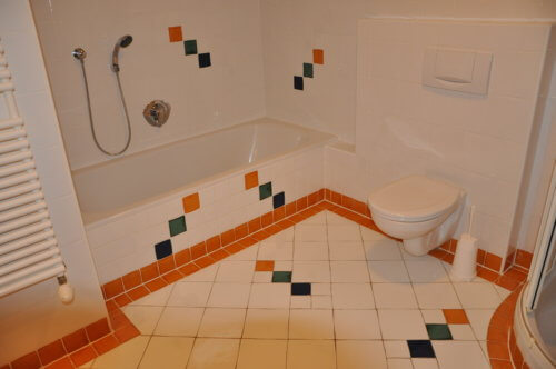 Selbstversorgerhaus Vorderes Zillertal 4 - Appartement 2 - Badezimmer